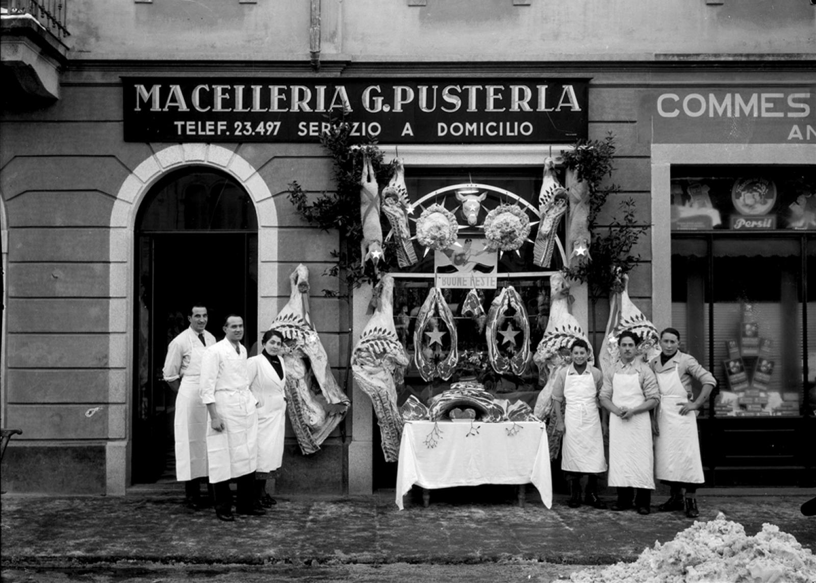 Ricordi Vetrina natalizia della Macelleria Pusterla a Lugano, 1939,